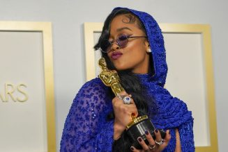 H.E.R. Wins Her First Oscar, Vows To Continue To 'Fight For What's Right'