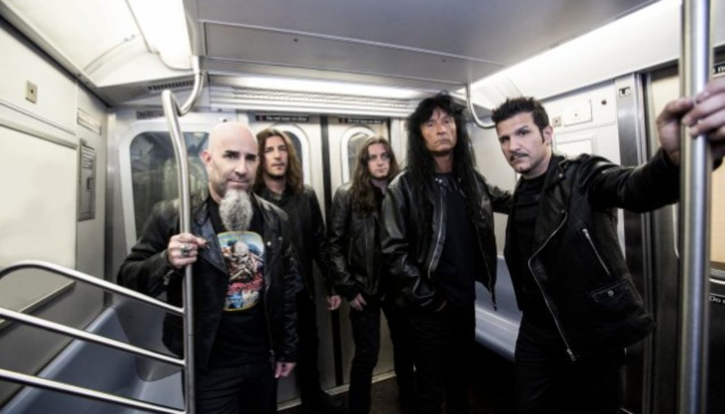 ANTHRAX Members Discuss 'Fistful Of Metal' Album In First 40th-Anniversary-Celebration Video