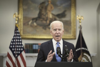 Biden pressed to send clear message on economy as warning signs flash