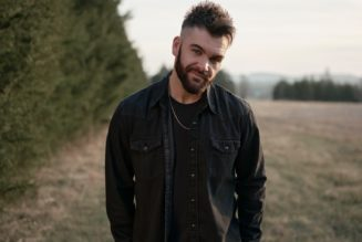 Dylan Scott Shares the Story Behind Hit Love Song 'Nobody'