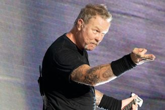 """Metallica's James Hetfield: """"I'm a Little Skeptical of Getting the Vaccine"""""""