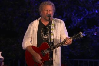 SAMMY HAGAR, KEVIN CRONIN And RICK SPRINGFIELD Perform At Seventh Annual 'Acoustic-4-A-Cure' Benefit Concert (Video)