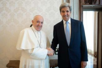 U.S. envoy wants pope to attend climate conference, sway debate
