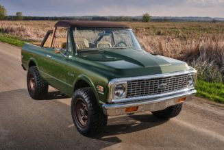 1970 Chevrolet K5 Blazer Gets Stunning Ringbrothers Restomod Makeover for Charity