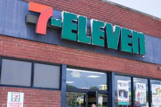 7-Eleven to Install Hundreds of EV Chargers at Its Convenience Stores