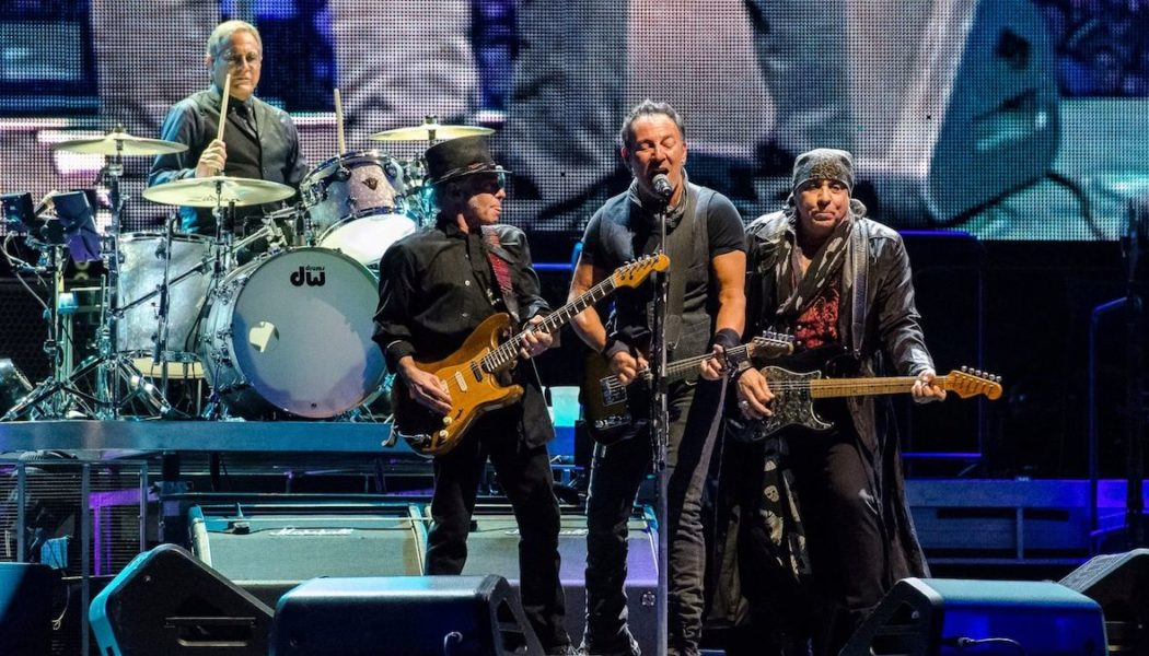 Bruce Springsteen Teases 2022 Tour with E Street Band, Collaboration with The Killers