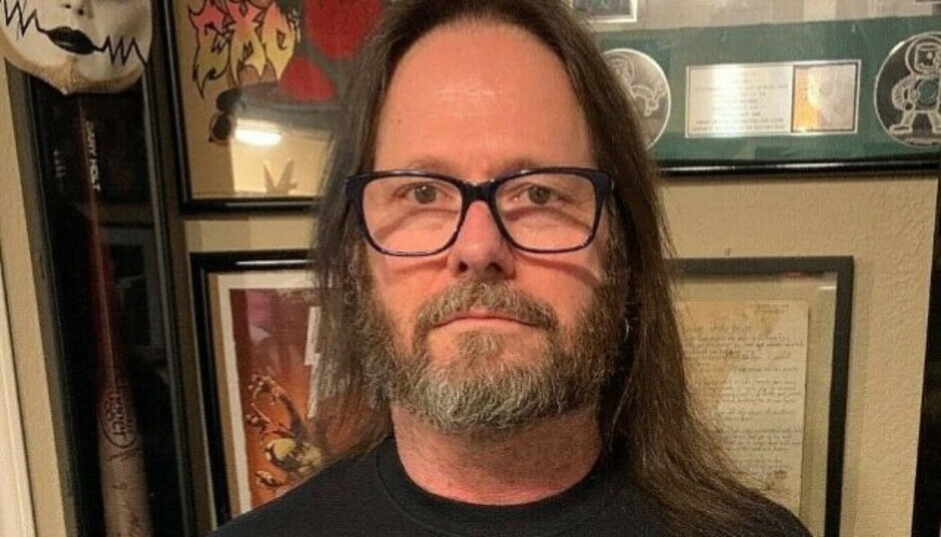 EXODUS/SLAYER Guitarist GARY HOLT Quits Drinking Alcohol: 'The Booze Has Crept Up On Me'