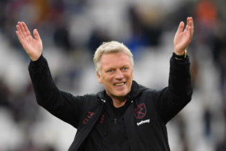 Ferdinand's two-word reaction as Moyes signs new West Ham deal