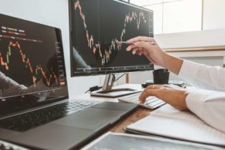 Mobile vs Desktop: Which is Better for Trading?