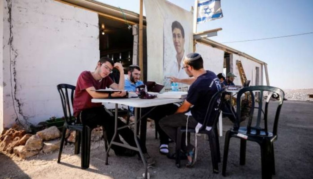 Settlers in occupied West Bank agree to evacuate illegal outpost