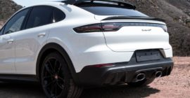 An Early Look at the 2022 Porsche Cayenne Turbo GT