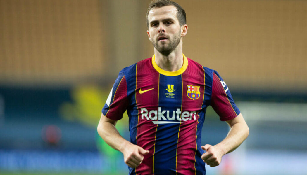 Barcelona outcast willing to take pay cut to return to former club