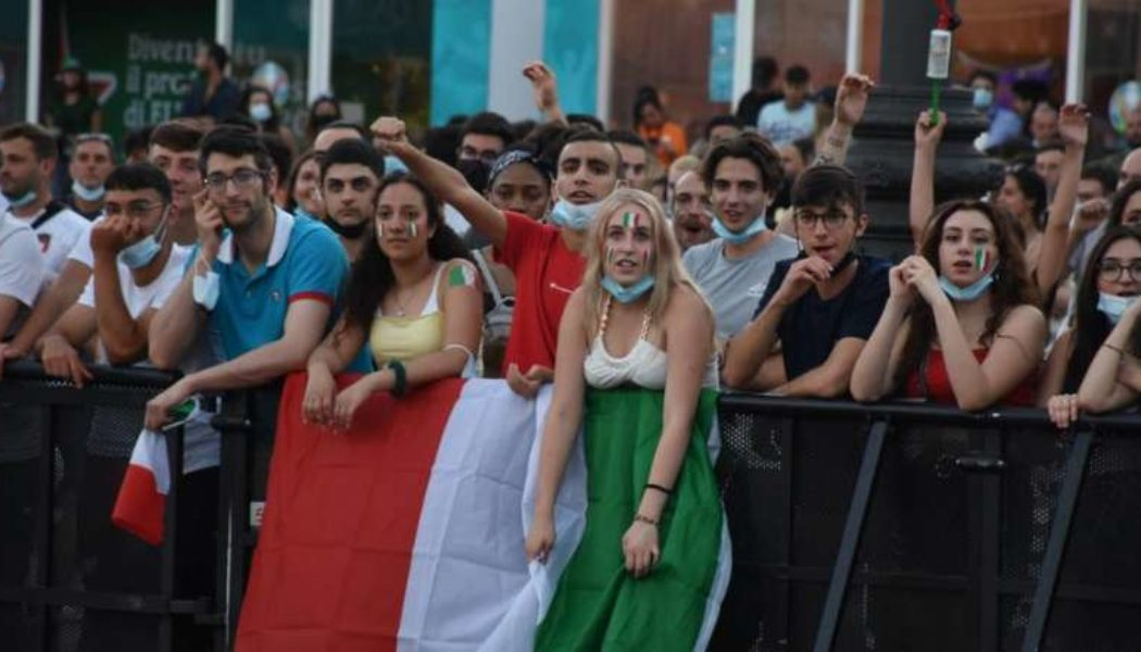 Euro 2020: Italy bars travelling England fans from Rome stadium