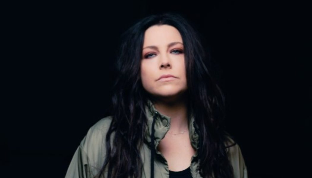 EVANESCENCE's AMY LEE: 'I Love Contrast In Music'