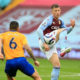 Moyes keen on 27-yr-old, West Ham have opened talks with Premier League rivals