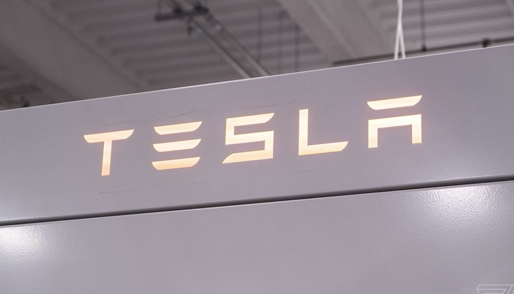 Teslarewrote its own software to survive the chip shortage