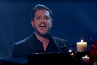 """Game of Thrones Actor Kit Harington Covers Train's """"Drops of Jupiter"""" on Fallon: Watch"""