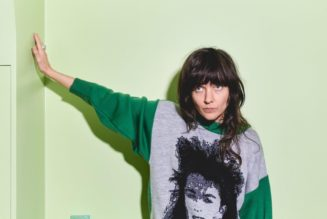 Hear Courtney Barnett's Rollicking 'I'll Be Your Mirror' Cover