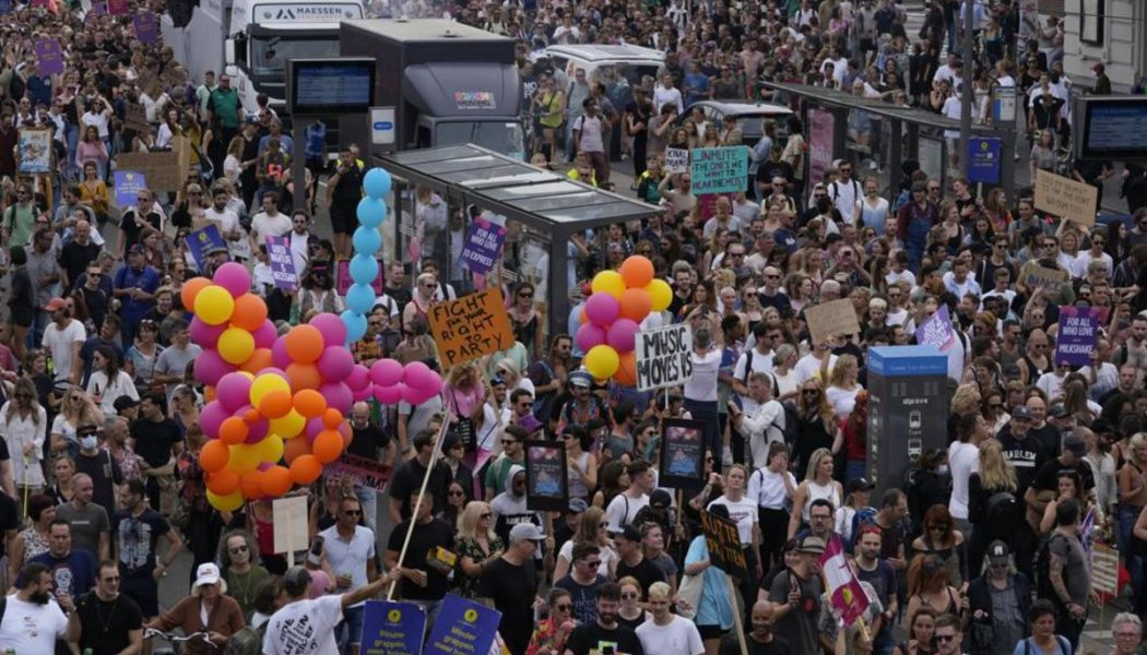 """Over 70,000 Party In Dutch Streets for """"Unmute Us"""" Protest: Watch"""