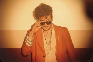 Tommy Torres Returns to Top Latin Albums Chart With Bad Bunny-Assisted 'El Playlist de Anoche'