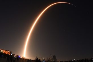 SpaceX Accuses Amazon of Using Delay Tactics on Starlink Because it Can't Compete