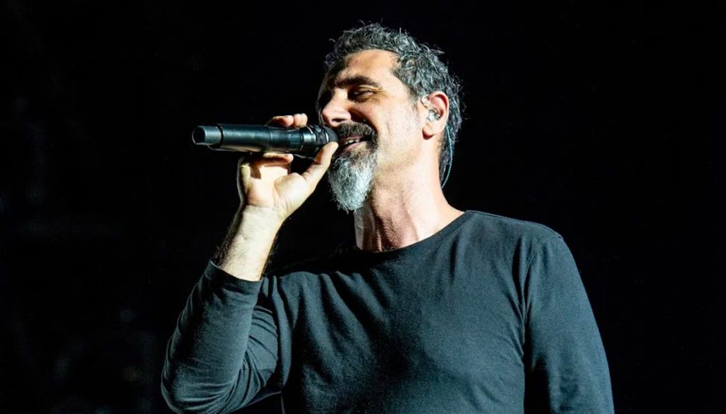 """COVID-Stricken Serj Tankian """"Happy"""" He Was Vaccinated, But Not """"Taking Sides on the Issue"""""""