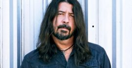 DAVE GROHL On Lawsuit Filed By 'Nevermind' Baby: 'He's Got A 'Nevermind' Tattoo. I Don't.'