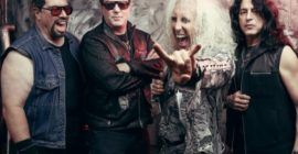 JAY JAY FRENCH Says TWISTED SISTER Is One Of 'Only A Handful Of Bands' Promoters Will Trust To Perform In Front Of 100 Thousand People