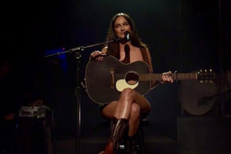 Kacey Musgraves Channels Her Inner Jenny Gump During SNL Season Premiere: Watch