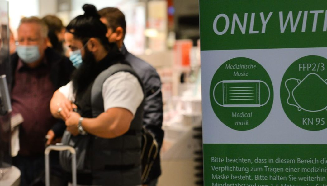 US lays out new guidelines for vaccinated international travelers